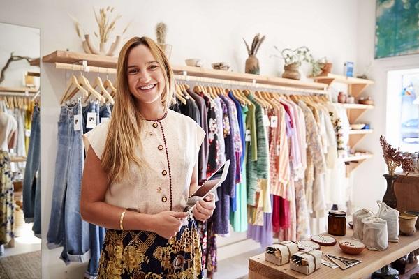 洋服屋を経営している女性